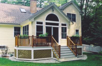 We Build and Design Custom Decks & Porches